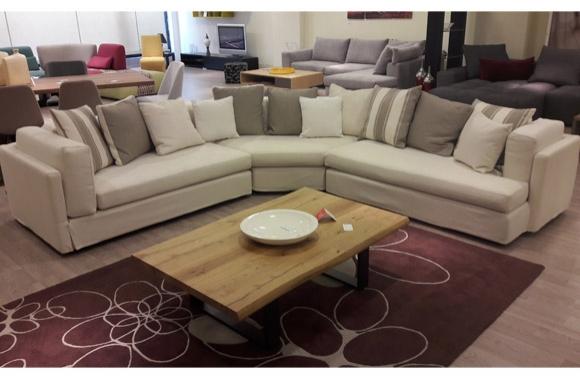 White καναπές