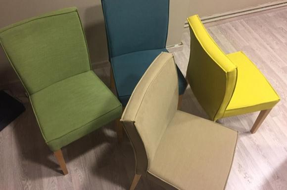 Ιόλη καρέκλα 4/άδα σε προσφορα από 1120 ευρώ στα 680 ευρώ.