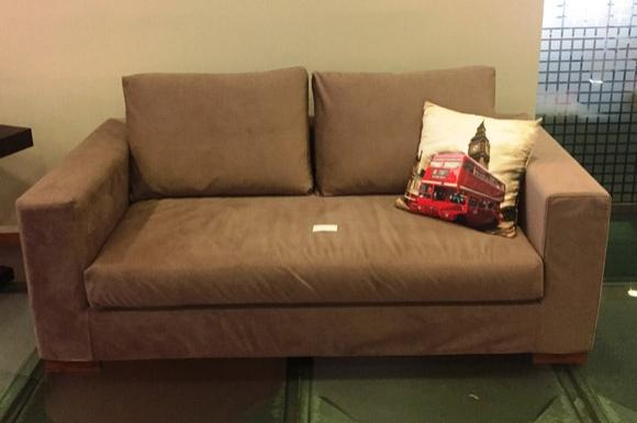 Marvin καναπές διθέσιος σε προσφορά από 870 ευρώ στα 540 ευρώ