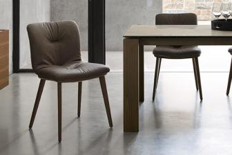 Αnnie Soft καρέκλα με ξύλινα πόδια Calligaris