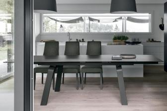 Μάρτε τραπέζι με πέτρα ή μάρμαρο