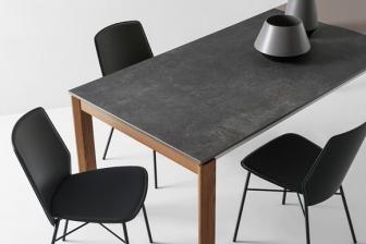 Eminence τραπέζι με πέτρα και ξύλινα/λακαριστά πόδια