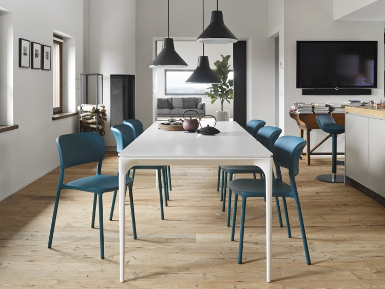 Silhouette τραπέζι με λάκα Calligaris