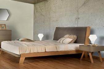 Seventie s κρεβάτι με ίσια μαξιλάρα